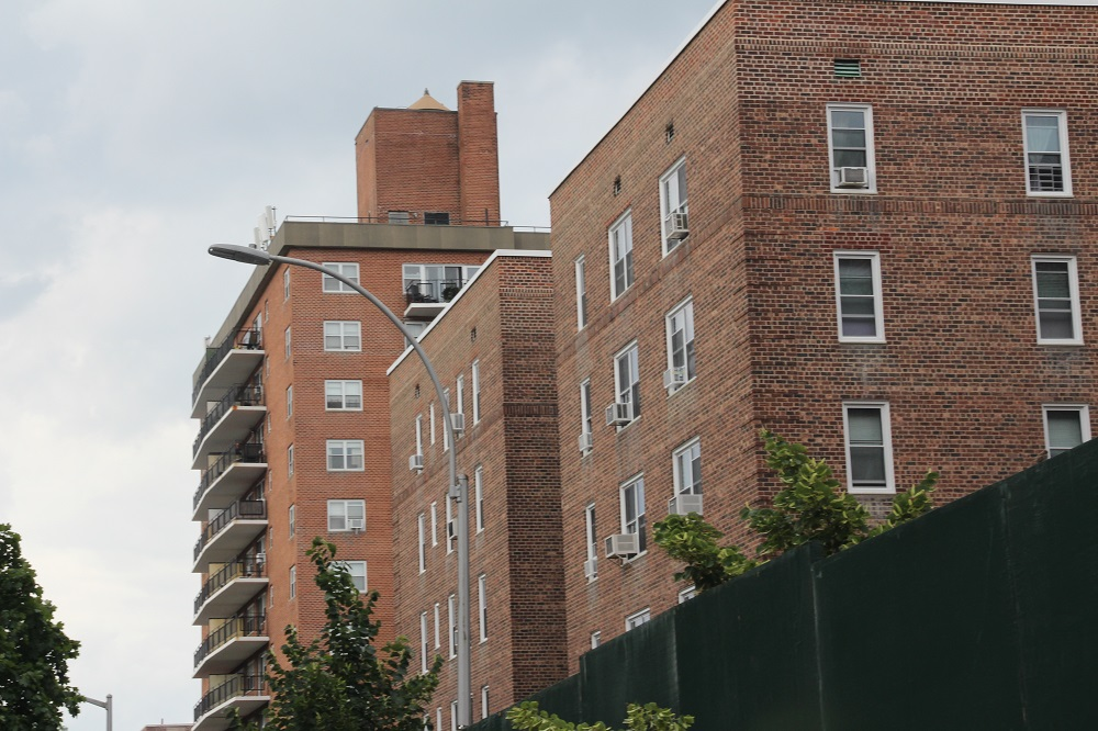 Forest Hills Condos vs. Apartments: Choosing the Best Option